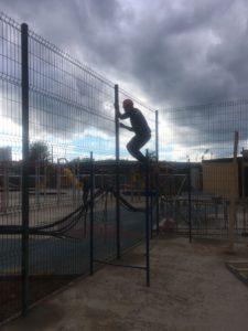 Панельное ограждение спортивной площадки